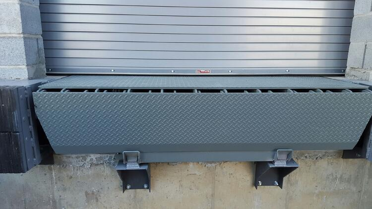 Extended Dock Leveler w Shelf 4.jpg