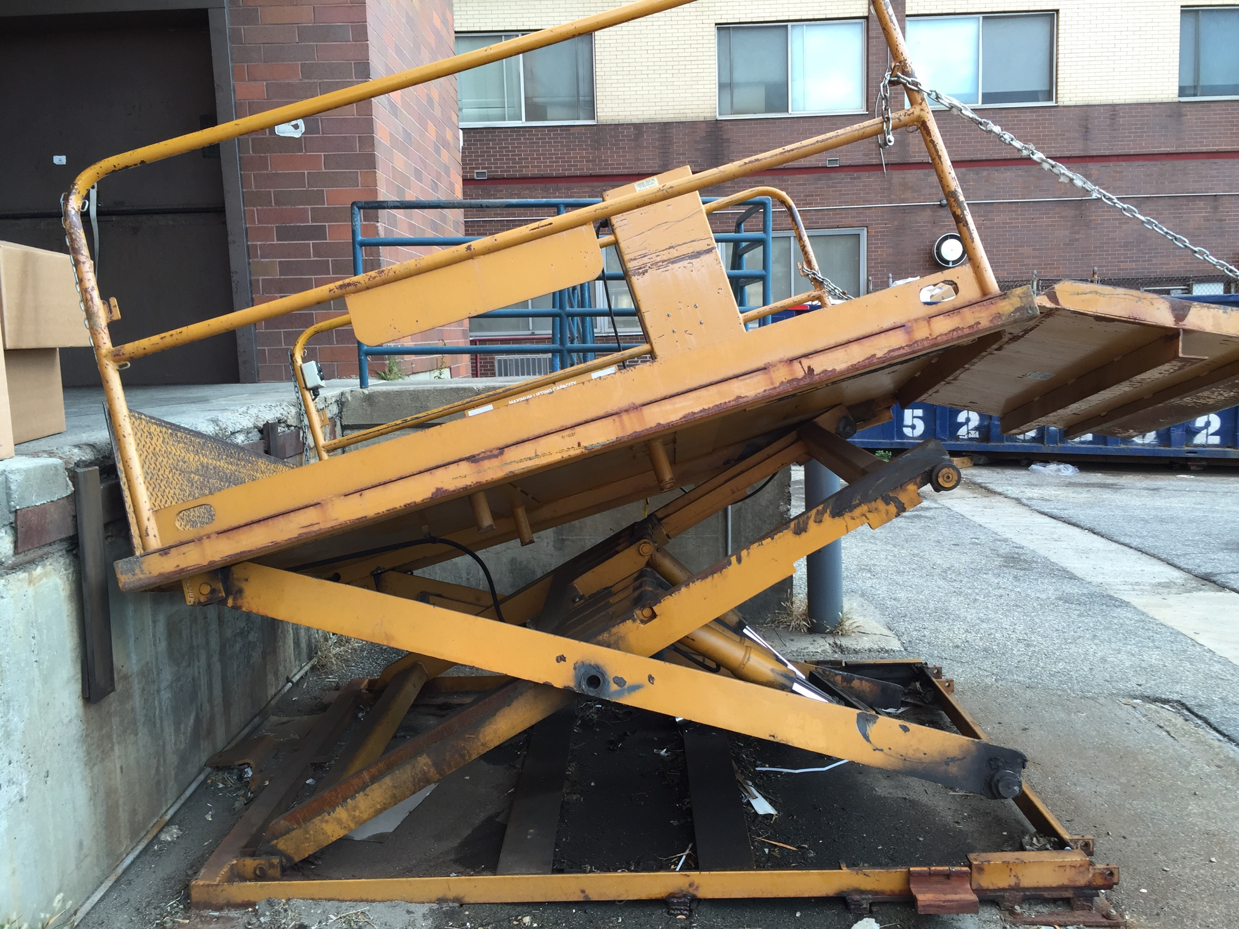 dock_scissor_lift_repair_nyc.jpg