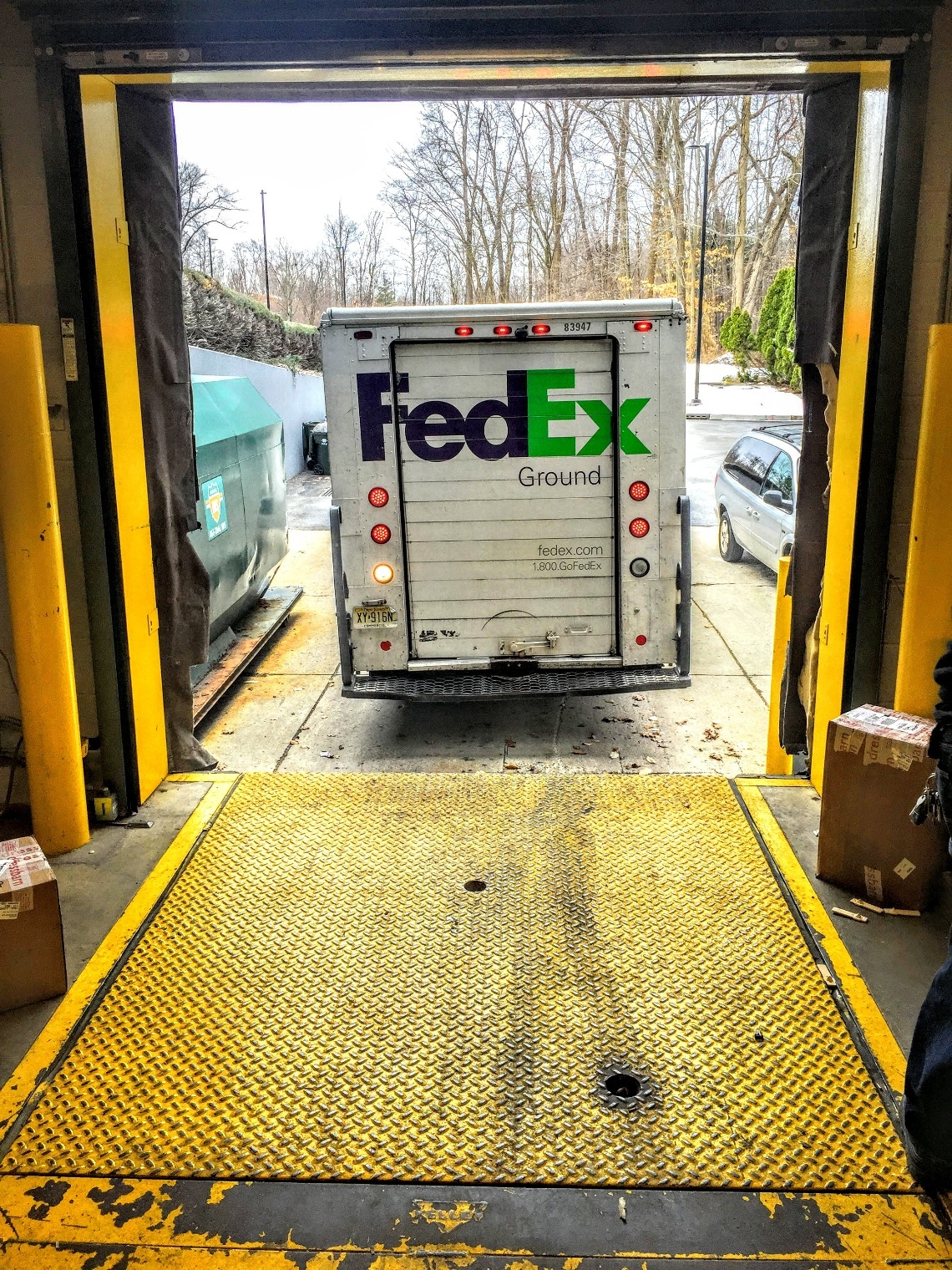 Our team at Loading Dock, Inc. is ready to repair, service, maintain and replace  your loading dock plates, dock doors, door pads, loading dock foam cushions, dock leveler lifts, truck restraints and dock rubber bumper pads in Middlesex County, NJ.  We are fully stocked with loading dock parts for hydraulic and mechanical dock leveler repairs.